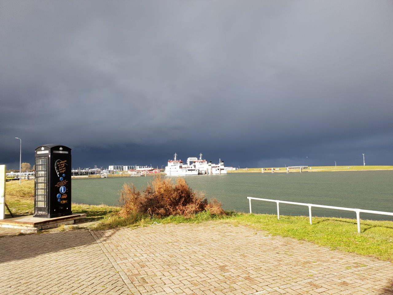Vogelexcursie Lauwersmeer 2018 Dreigende luchten boven het wad