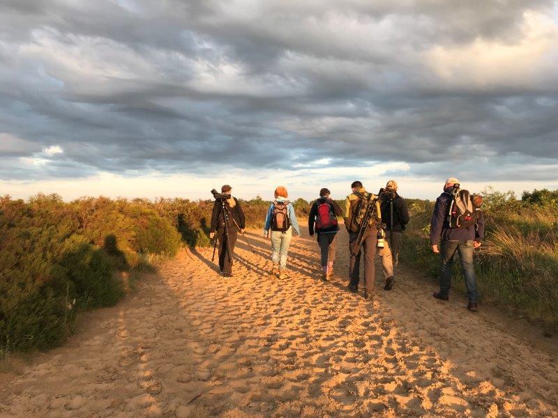 Wandelen over het zandpad (foto door deelneemster Flo)