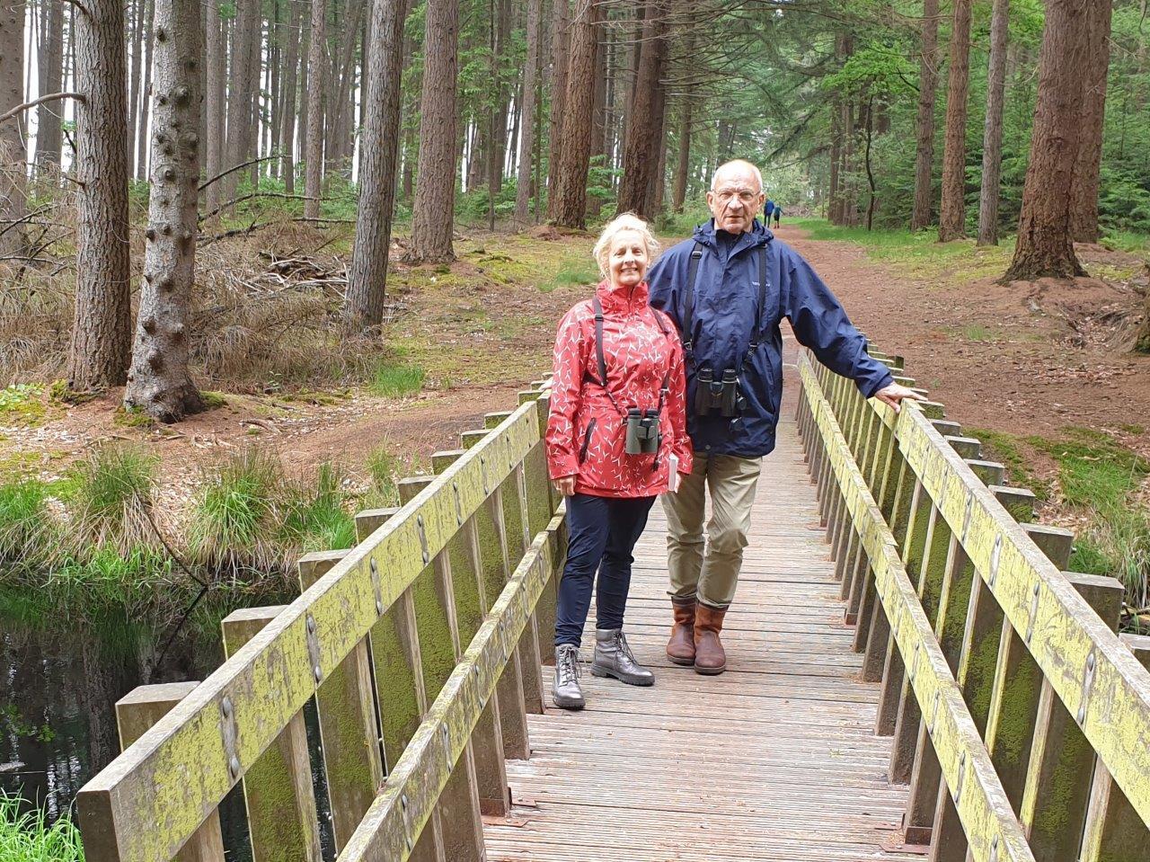 Deelnemers op de brug