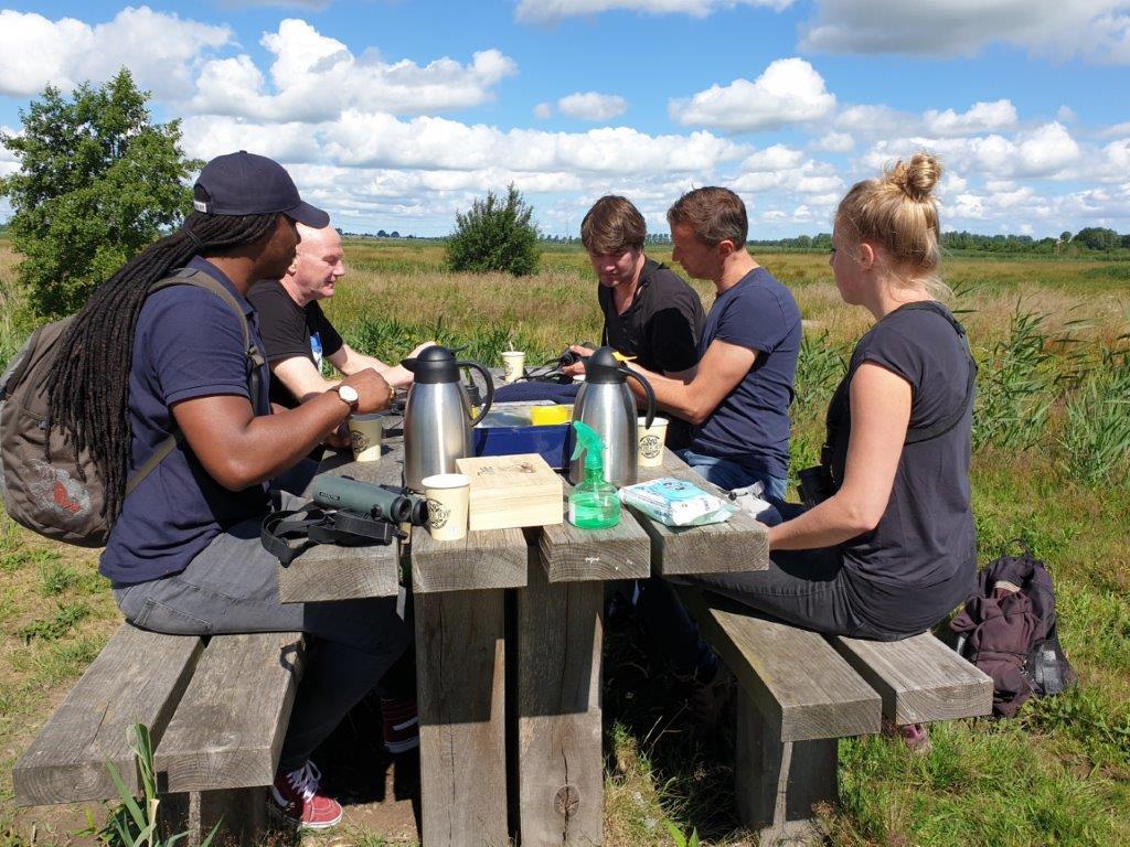 Deelnemers aan de koffie (en één aan de thee)